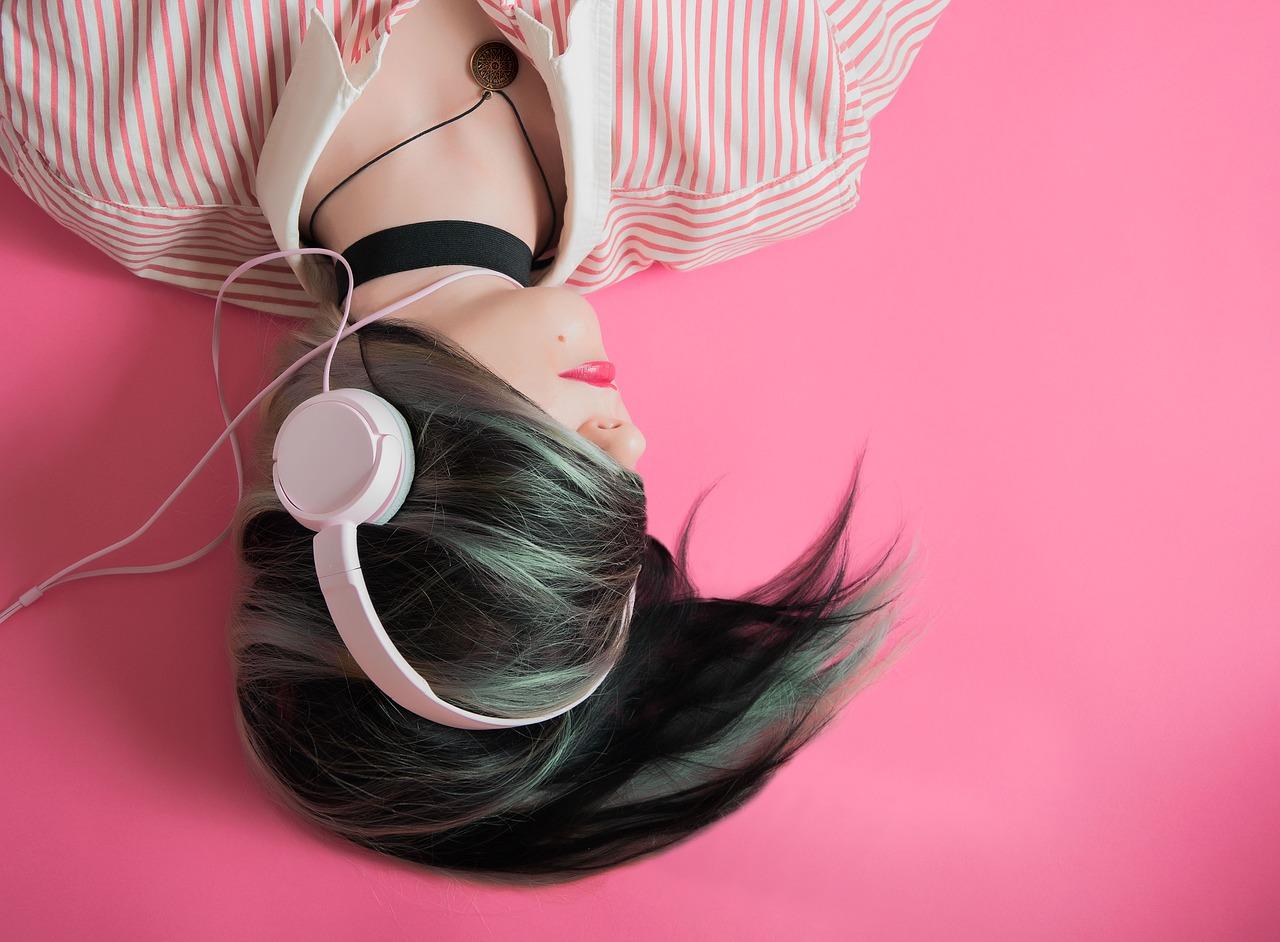 Wygoda słuchania - jak wybrać komfortowe słuchawki?